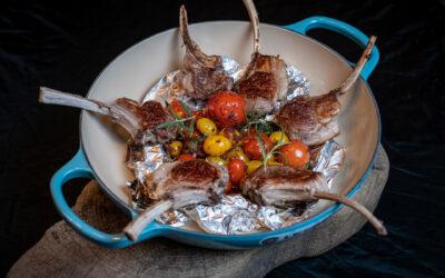Kotelett vom Deichlamm mit bunten Tandoritomaten für 2 Personen